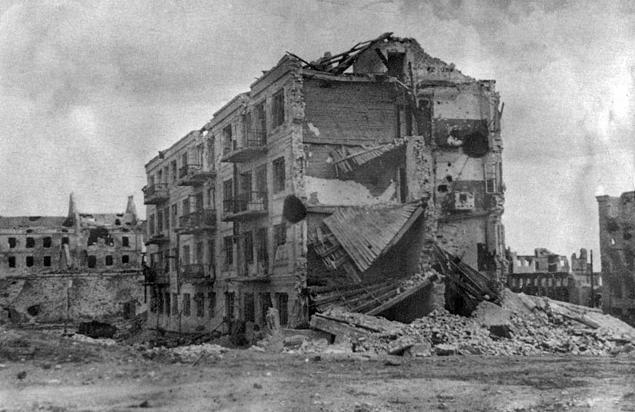 Дом Павлова после окончания Сталинградской битвы. 1943 год